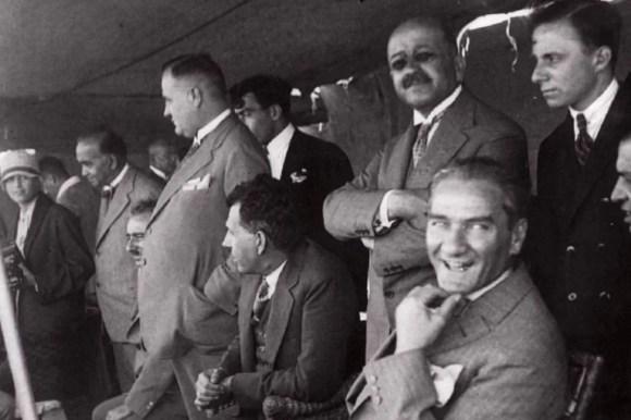 Milletimizin siyasî sosyal hayatında milletimizin fikri eğitiminde rehberimiz ilim ve teknik olacaktır. 1024x682 - Mustafa Kemal Atatürk Resimli Sözler - Atatürk Sözleri Ve Fotoğraf Arşivi, unlu-sozleri, guzel-sozler