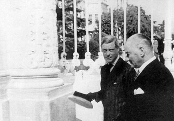 Vicdan hürriyeti mutlak ve taarruz edilmez ferdin tabi haklarının en mühimlerinden tanınmalıdır. - Mustafa Kemal Atatürk Resimli Sözler - Atatürk Sözleri Ve Fotoğraf Arşivi, unlu-sozleri, guzel-sozler
