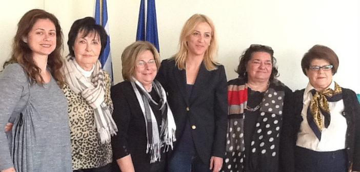 Με το Δ.Σ. του Πολιτικού Συνδέσμου Γυναικών συναντήθηκε η Ρ. Δούρου