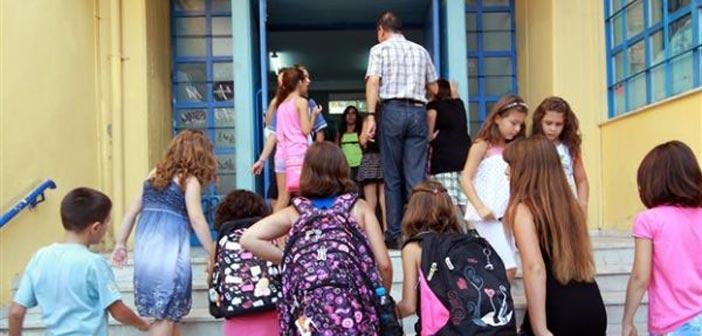 Με χιλιάδες κενά εκπαιδευτικών ξεκινά και η φετινή σχολική χρονιά
