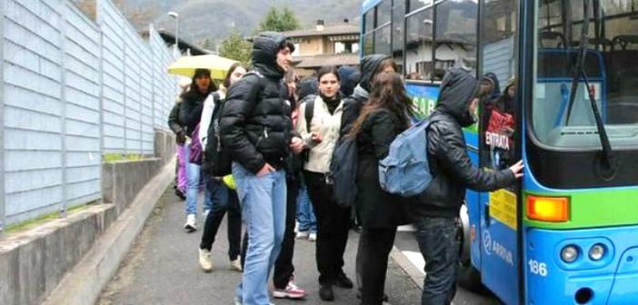 Δύναμη Ζωής: Έγκαιρη και ασφαλής μετακίνηση των μαθητών χάρη στη δουλειά της διοίκησης Δούρου