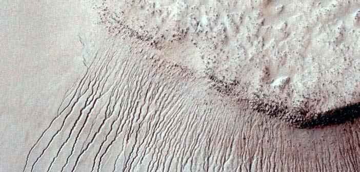 Ιστορική ανακάλυψη οι ενδείξεις ύπαρξης νερού στον Άρη