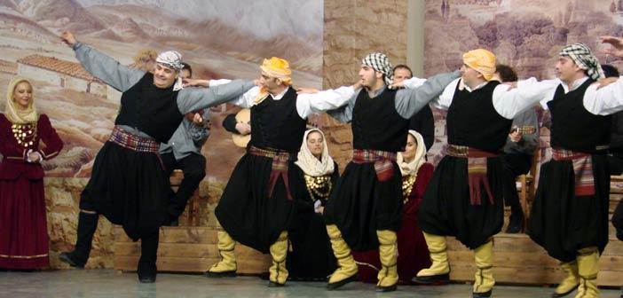 Παρουσίαση Παραδοσιακών Χορών στο θεατράκι Μελισσίων