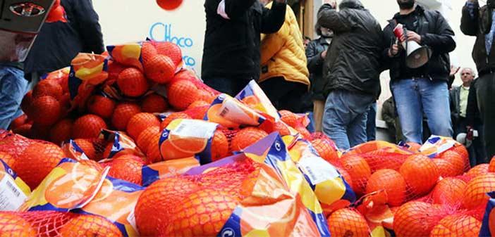Διανομή φρούτων σε ευπαθείς ομάδες στο Χαλάνδρι