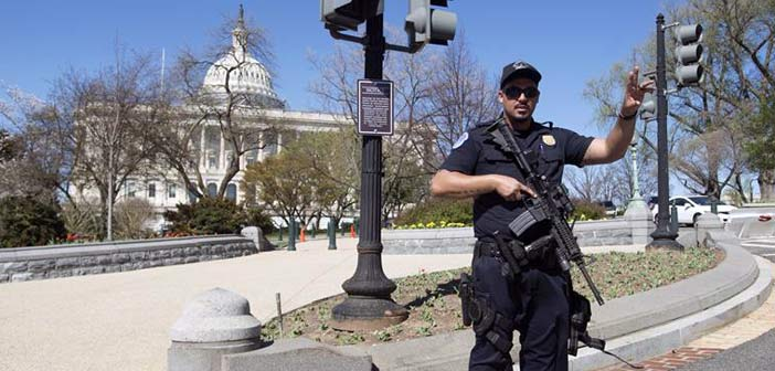 Πυροβολισμοί στο κέντρο επισκεπτών του αμερικανικού Κογκρέσου