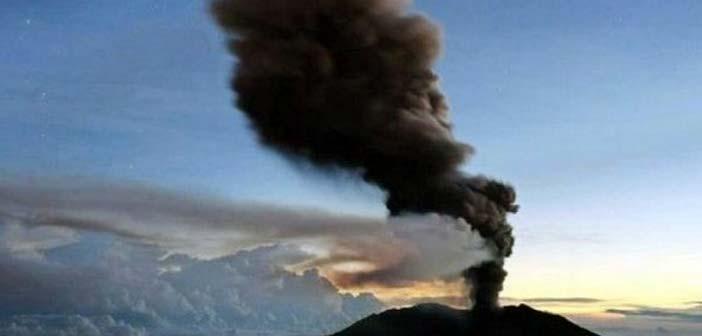«Βρυχάται» το ηφαίστειο Τουριάλμπα στην Κόστα Ρίκα