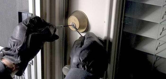Εισβολή κακοποιών σε διαμέρισμα στα Βριλήσσια – Απείλησαν 89χρονη με μαχαίρι