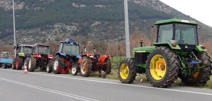 Έστησαν τα πρώτα μπλόκα στους δρόμους οι αγρότες