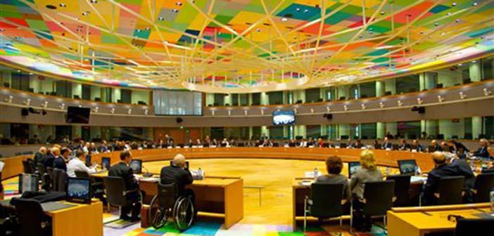Ανησυχία στις Βρυξέλλες για τις παροχές – Δεν αποκλείεται να τεθεί θέμα στο Eurogroup