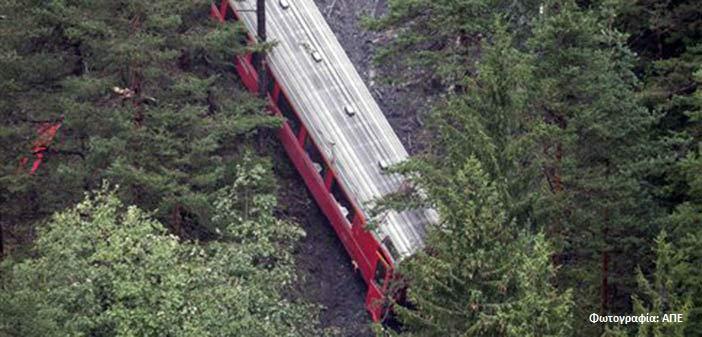 Σύγκρουση τρένων στην Ελβετία, τουλάχιστον 30 τραυματίες
