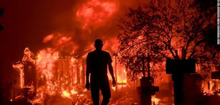 Τουλάχιστον 11 νεκροί από τις πυρκαγιές στη Β. Καλιφόρνια