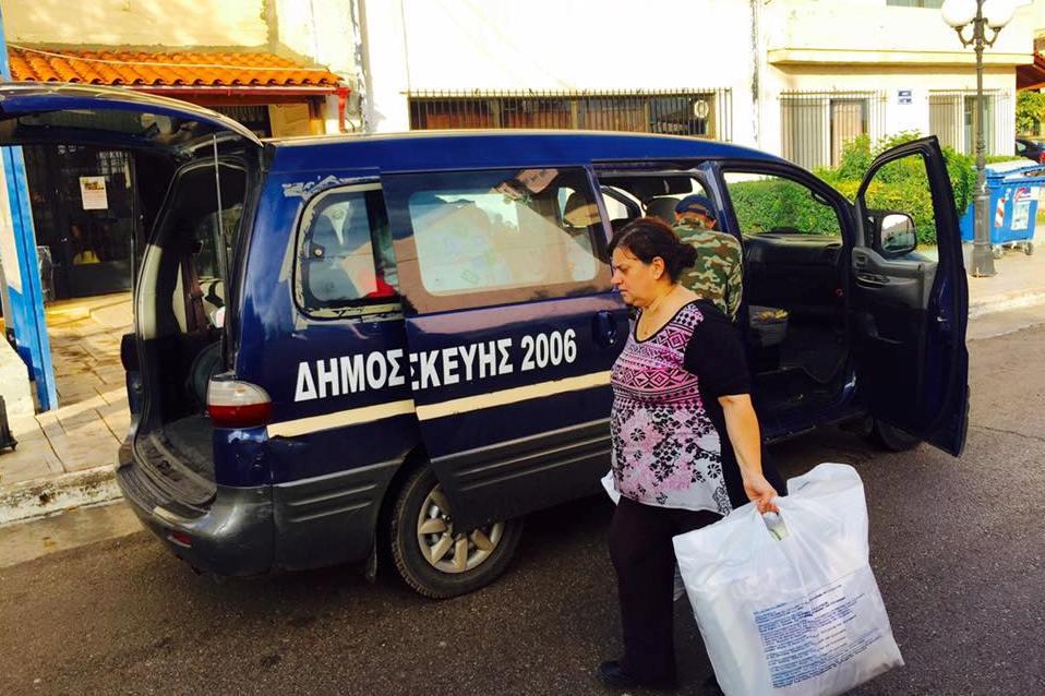 Πρώτη αποστολή βοήθειας προς τη Μάνδρα από τον Δήμο Αγ. Παρασκευής