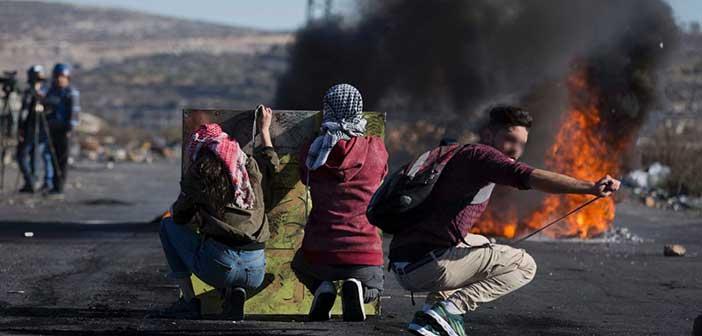 Πεδίο μάχης η Λωρίδα της Γάζας: Τέσσερις νεκροί και 230 τραυματίες