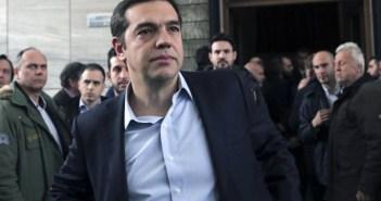 «Der Spiegel»: Δώρα για να κερδίσει ψήφους μοιράζει ο Τσίπρας