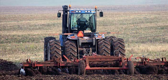 «Κούρεμα» έως 60% σε χρέη αγροτών προς τράπεζες και Δημόσιο