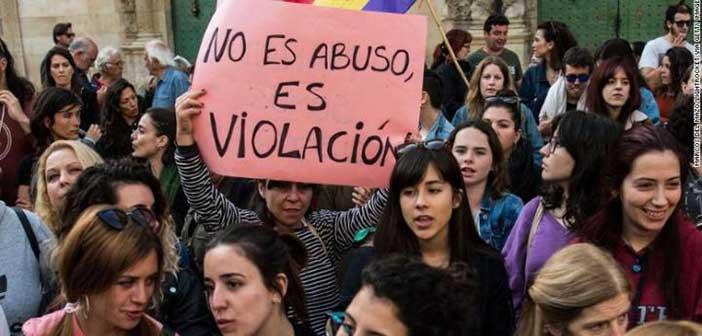 Δεκάδες χιλιάδες Ισπανοί στους δρόμους – Ζητούν την καταδίκη της «Αγέλης των Λύκων»