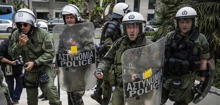 Επίθεση οπαδών του Παναθηναϊκού σε διμοιρία των ΜΑΤ στην Πατησίων
