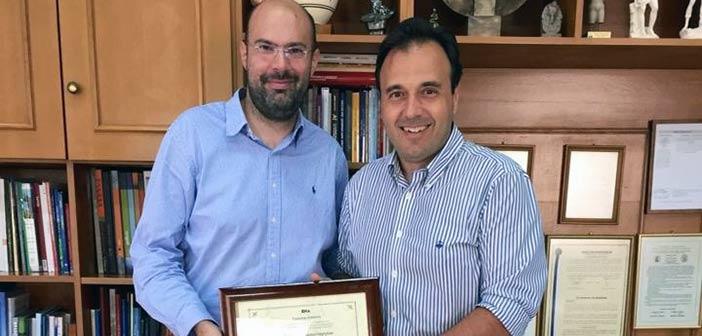 Η ΕΝΑ έκανε επίτιμο μέλος της τον πρωτοποριακό δήμαρχο Τρικκαίων Δημήτρη Παπαστεργίου