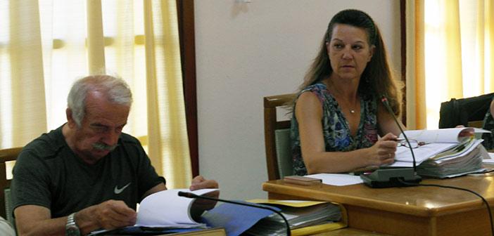 Η Ευαγγελία Μπουσίου αποχωρεί από την παράταξη του δημάρχου Πεντέλης και εξαπολύει «μύδρους» εναντίον της