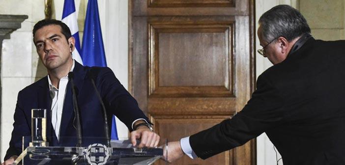 Παραιτήθηκε ο Νίκος Κοτζιάς – Ο Αλέξης Τσίπρας αναλαμβάνει το υπουργείο Εξωτερικών