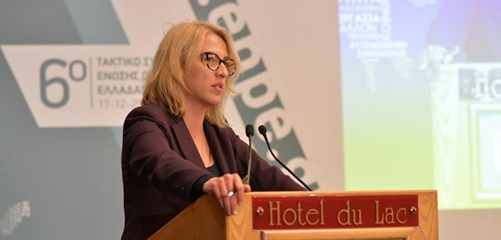 Επέμβαση των εισαγγελικών αρχών για τα κακόβουλα sms ζητεί η Ρ. Δούρου