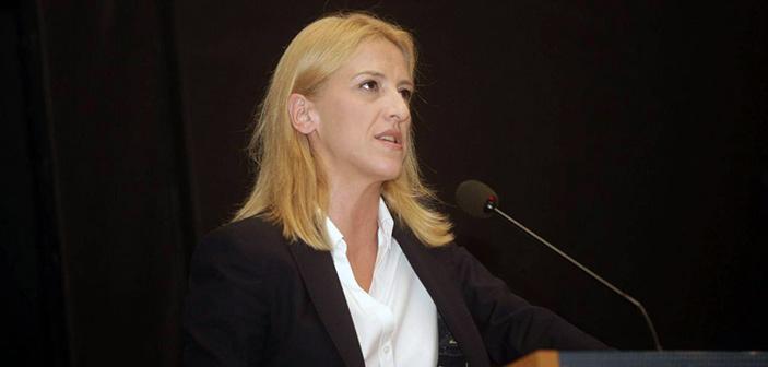 Αποδέχεται την πρόταση Γ. Πατούλη για διακαναλικό debate η Ρ. Δούρου