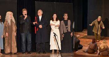 Μια καταπληκτική «Αντιγόνη» παρουσιάστηκε στο Δημοτικό Θέατρο Πεύκης 1e610da7ca1