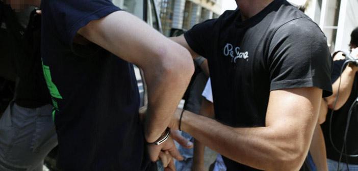 Έφοδος της ΕΛ.ΑΣ. σε κατάληψη κτηρίου στα Εξάρχεια