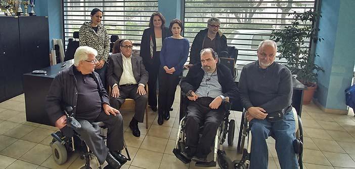 Συνάντηση Αγγ. Παπάζογλου με τον Πανελλήνιο Σύλλογο Παραπληγικών