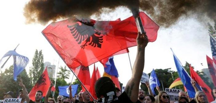 Ακυρώθηκαν οι δημοτικές εκλογές της 30ής Ιουνίου στην Αλβανία – Διαδηλώσεις και επεισόδια