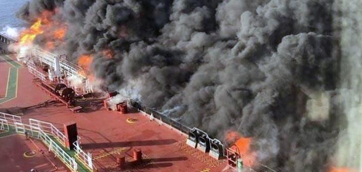 Ανησυχία μετά την επίθεση σε δύο τάνκερ στον Κόλπο του Ομάν – Στις φλόγες έχει παραδοθεί το ένα