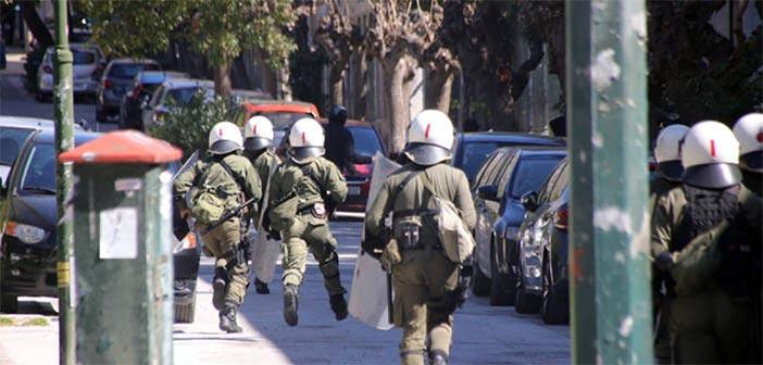 Ακόμη δύο επιθέσεις σε εκλογικά τμήματα στα Εξάρχεια