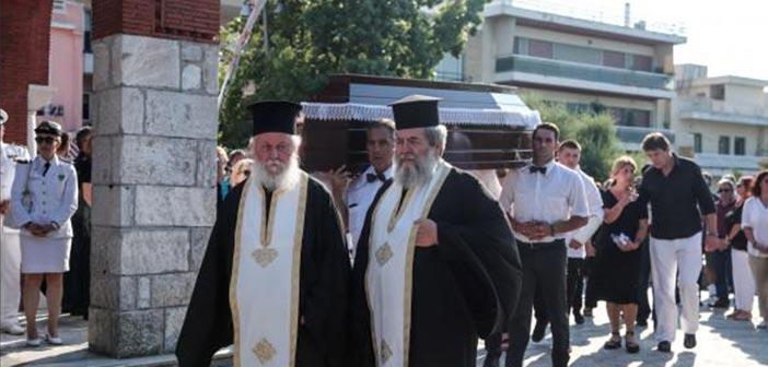 Στο Χαλάνδρι τελέστηκε η κηδεία του ήρωα ψαρά Κώστα Αρβανίτη