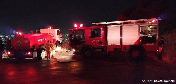 Πυρκαγιά στη Λ. Πίνδου στου Παπάγου