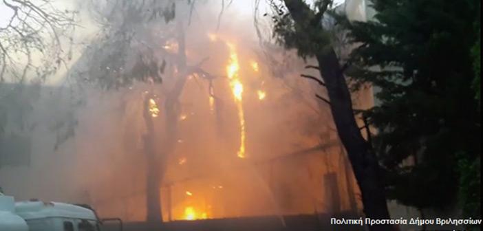 Φωτιά ξέσπασε στη Νέα Πεντέλη