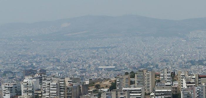 Ο καπνός από τη φωτιά στην Εύβοια «πνίγει» την Αθήνα – Επί ποδός το υπ. Υγείας για τα σωματίδια στην ατμόσφαιρα