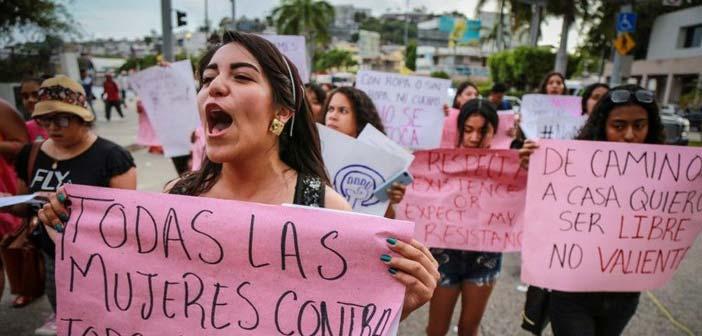 Μεξικό: Βιασμοί κοριτσιών από αστυνομικούς – Διαδηλώσεις γυναικών
