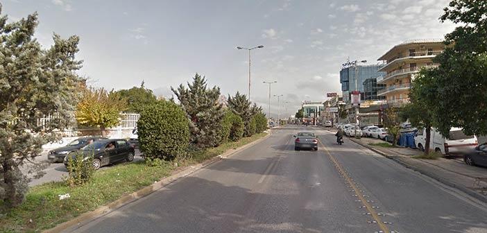 Από τη Λεωφ. Μεσογείων ξεκινάει η Περιφέρεια Αττικής την αφαίρεση παράνομων διαφημιστικών πινακίδων