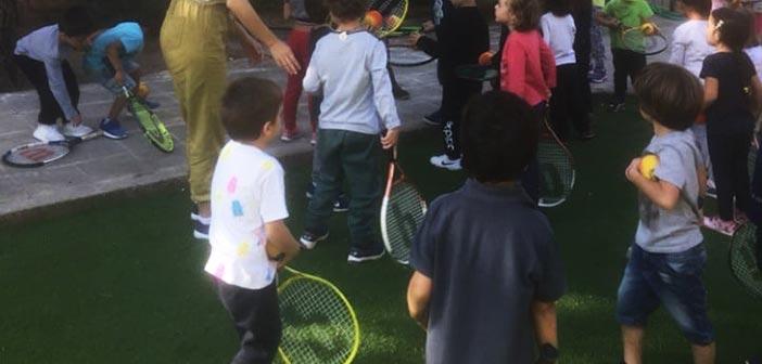 Με το τένις… γνωρίστηκαν παιδιά νηπιαγωγείου του Δήμου Κηφισιάς