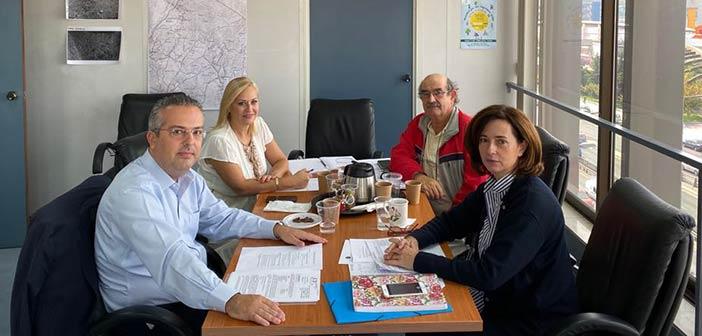 Συνάντηση δημάρχου Παπάγου – Χολαργού με την αντιπεριφερειάρχη Β.Τ. για τα έργα στον Δήμο