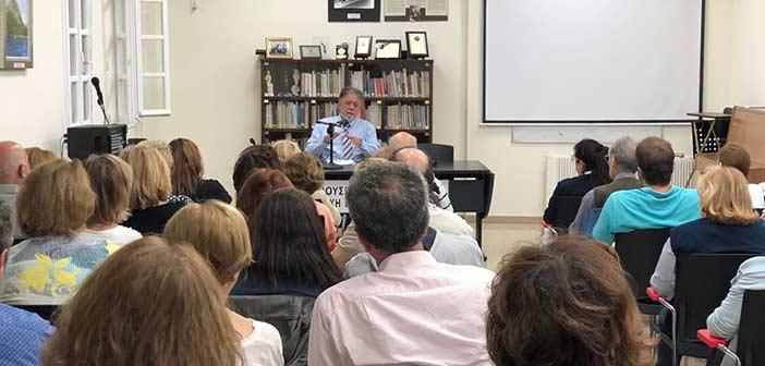 Κατάμεστη η Δημοτική Βιβλιοθήκη Κηφισιάς σε διάλεξη του καθηγητή Γ. Πανούση