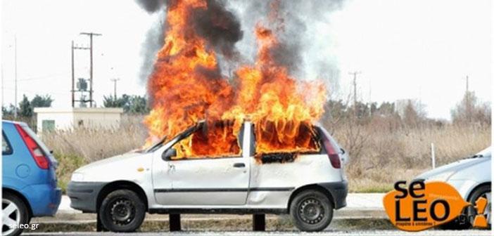 Θεσσαλονίκη: Φωτιά σε δύο αυτοκίνητα τα ξημερώματα
