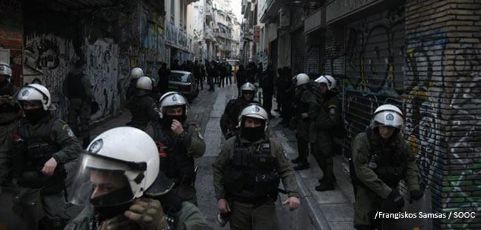 Εξάρχεια: Αστυνομική επιχείρηση για την εκκένωση υπό κατάληψη κτηρίου
