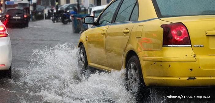 Meteo: Καταιγίδες αύριο στην Αττική