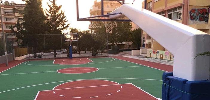 Αθλητικός χώρος καλαθοσφαίρισης στο 2ο Γυμνάσιο Πεύκης