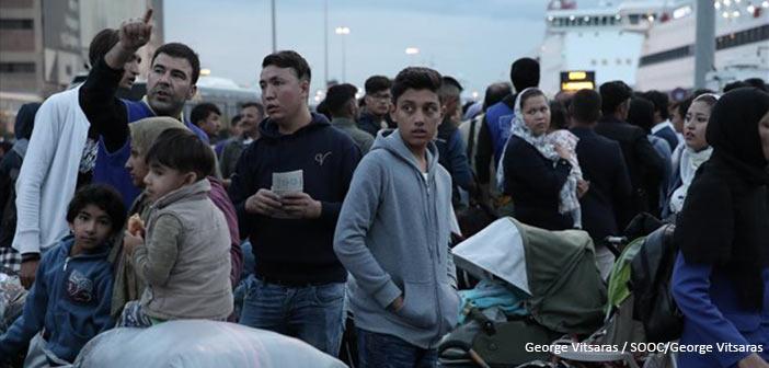 Συνεχίζεται η μεταφορά προσφύγων και μεταναστών από τα νησιά στην ηπειρωτική χώρα