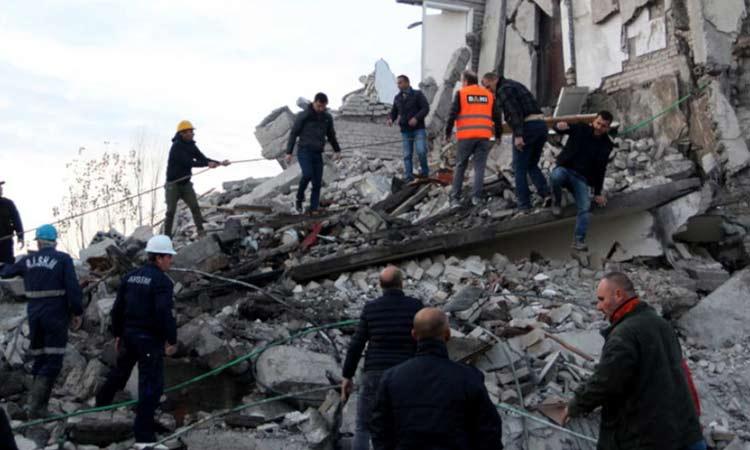 Σεισμός στην Αλβανία: Τουλάχιστον 22 νεκροί – Συνεχίζονται οι έρευνες στα συντρίμμια