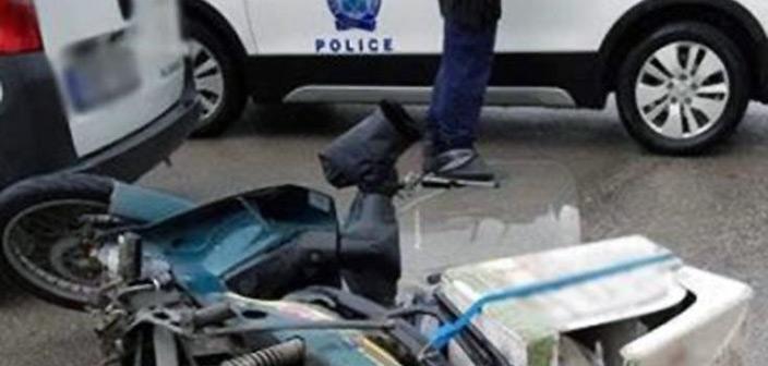 Ελασσόνα: «Ντελιβεράς» μετά από τροχαίο έπεσε πάνω σε μαθήτριες