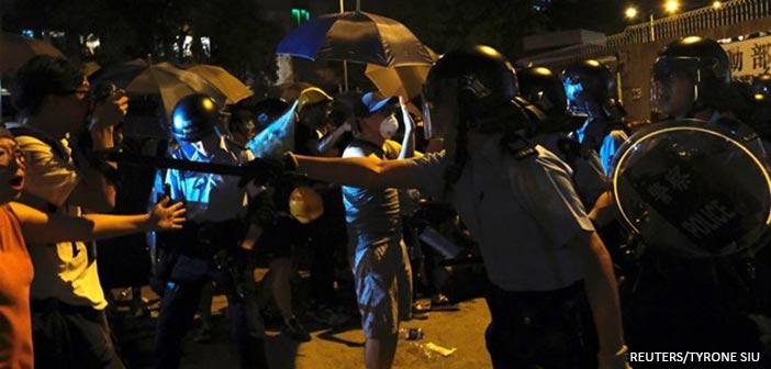 Χονγκ Κονγκ: Σε κρίσιμη κατάσταση διαδηλωτής που τραυματίστηκε από πυρά αστυνομικού