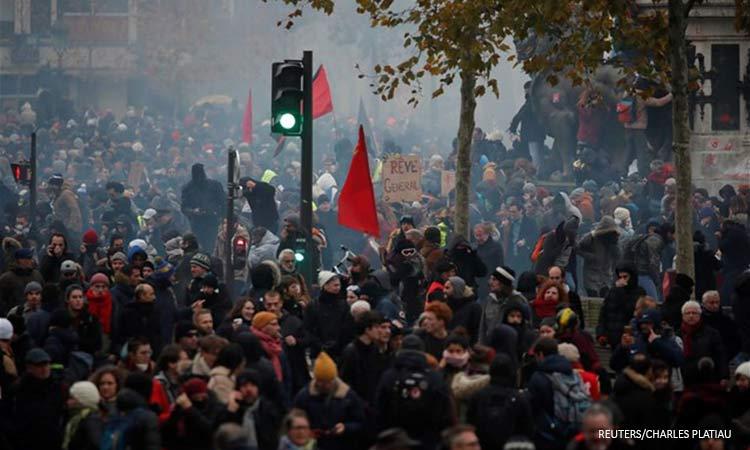 Απεργίες και διαδηλώσεις ξανά σε όλη τη Γαλλία